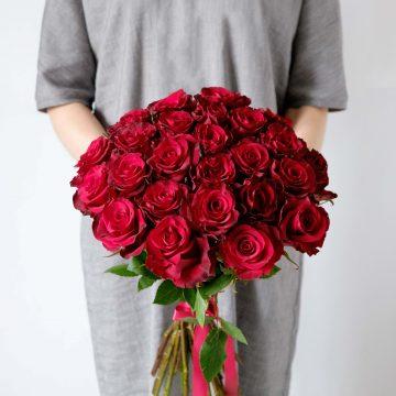 25 отборных красных роз
