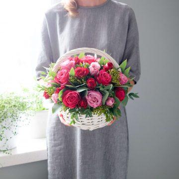 Классическая корзина роз