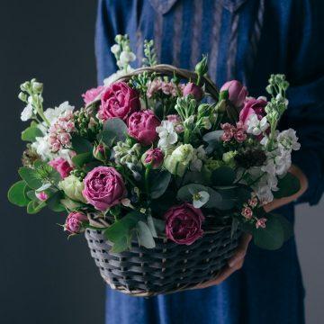 корзина, розы, пионовидные розы, цветы, букет