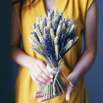 букет из пшеницы и лаванды